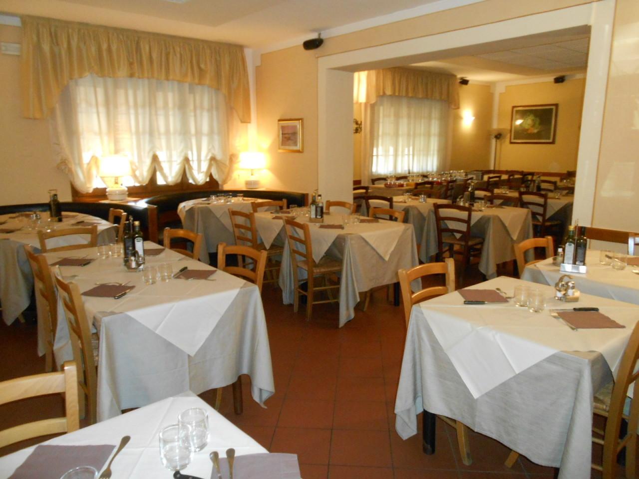 Ristorante / Pizzeria / Trattoria in affitto a Castelnuovo di Garfagnana, 2 locali, prezzo € 3.000 | CambioCasa.it