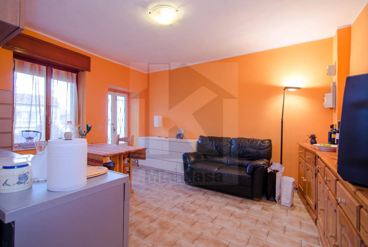 Appartamento in vendita a Uboldo, 2 locali, prezzo € 55.000 | Cambio Casa.it