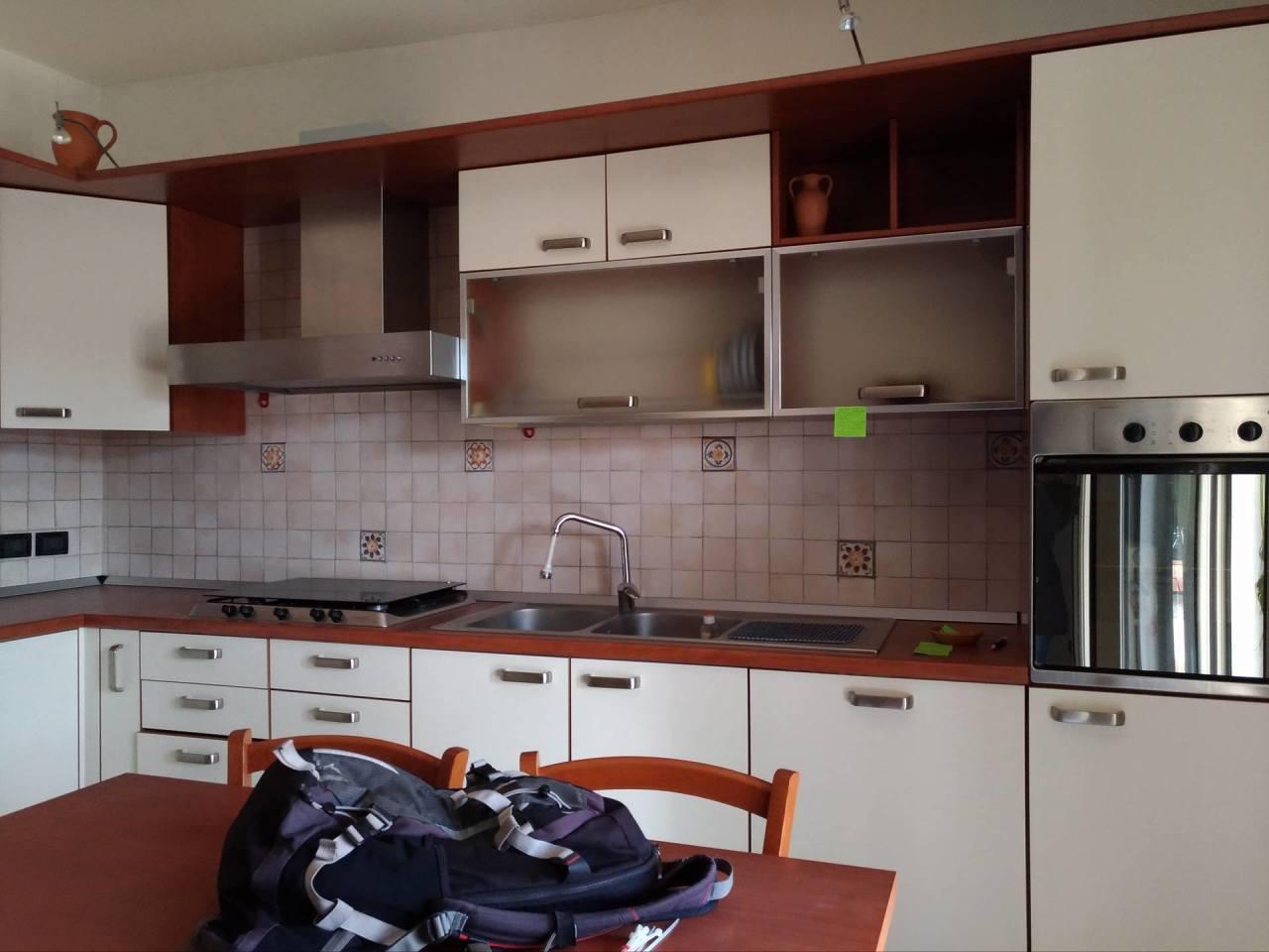 Soluzione Indipendente in vendita a Maiolati Spontini, 4 locali, prezzo € 110.000   Cambio Casa.it