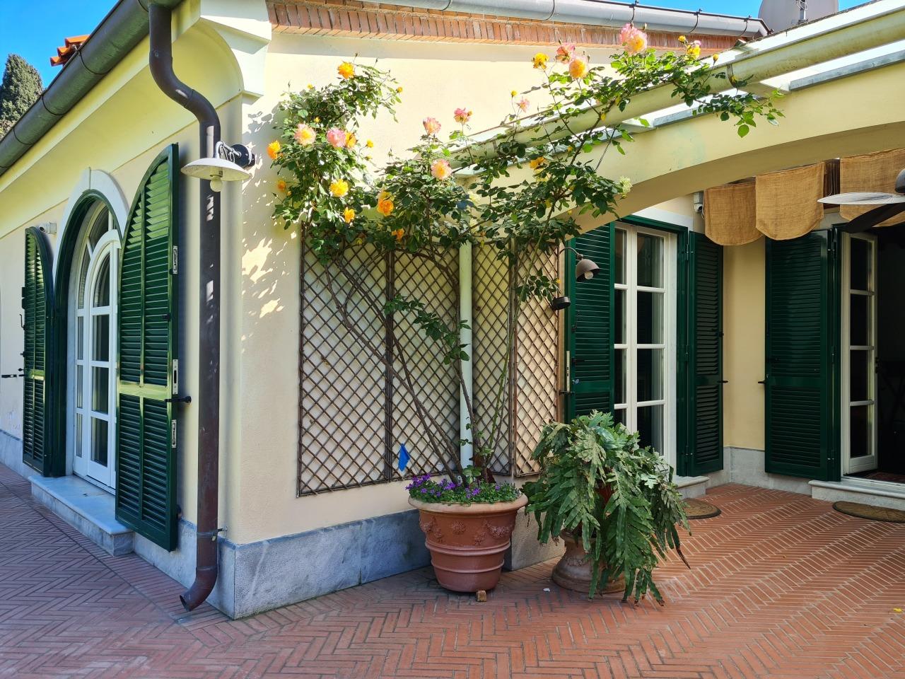 Casa indipendente in vendita a Marina Di Carrara, Carrara (MS)