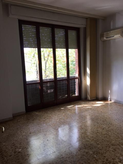 Ufficio / Studio in affitto a Cascina, 5 locali, prezzo € 550 | Cambio Casa.it