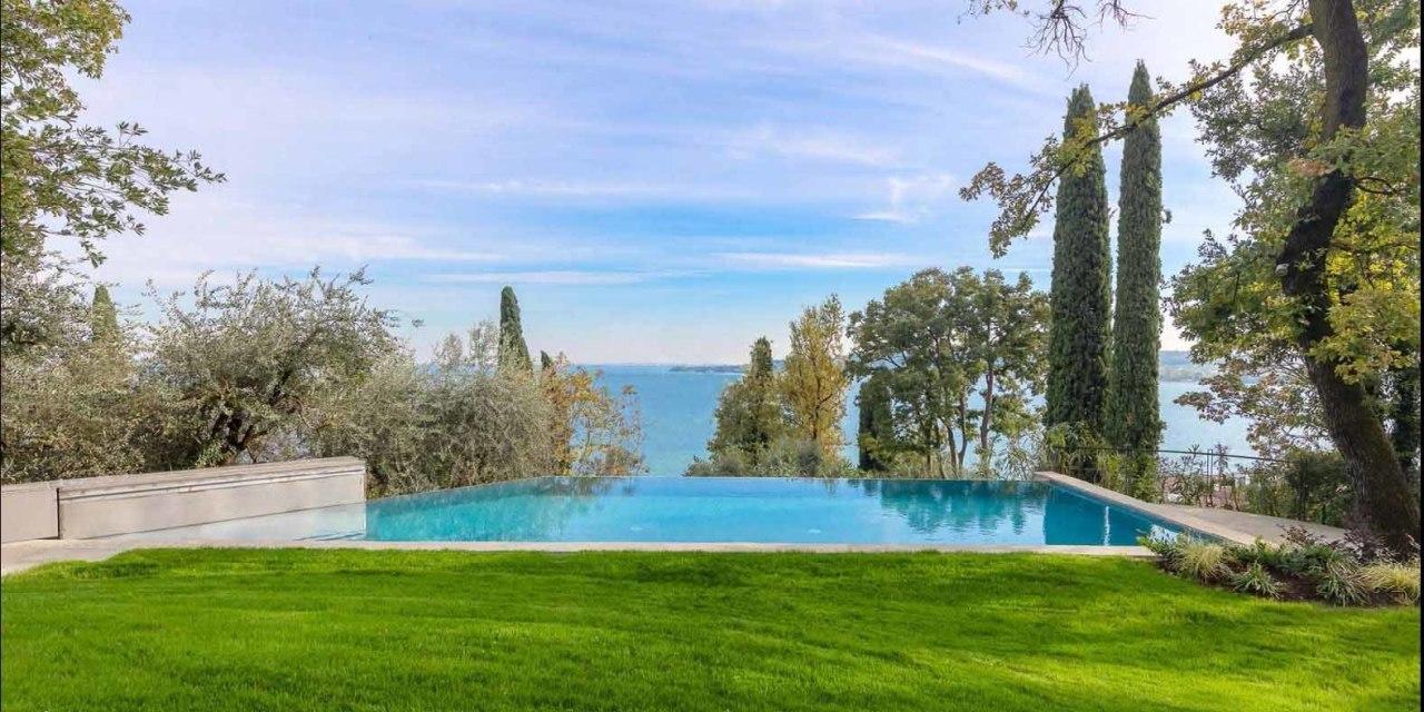 Casa indipendente in vendita a Padenghe Sul Garda (BS)