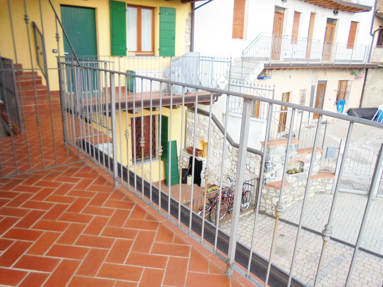 Bilocale Sale Marasino  2