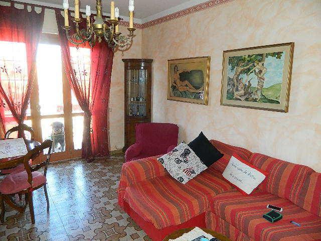 vendita appartamento carrara   320000 euro  6 locali  160 mq