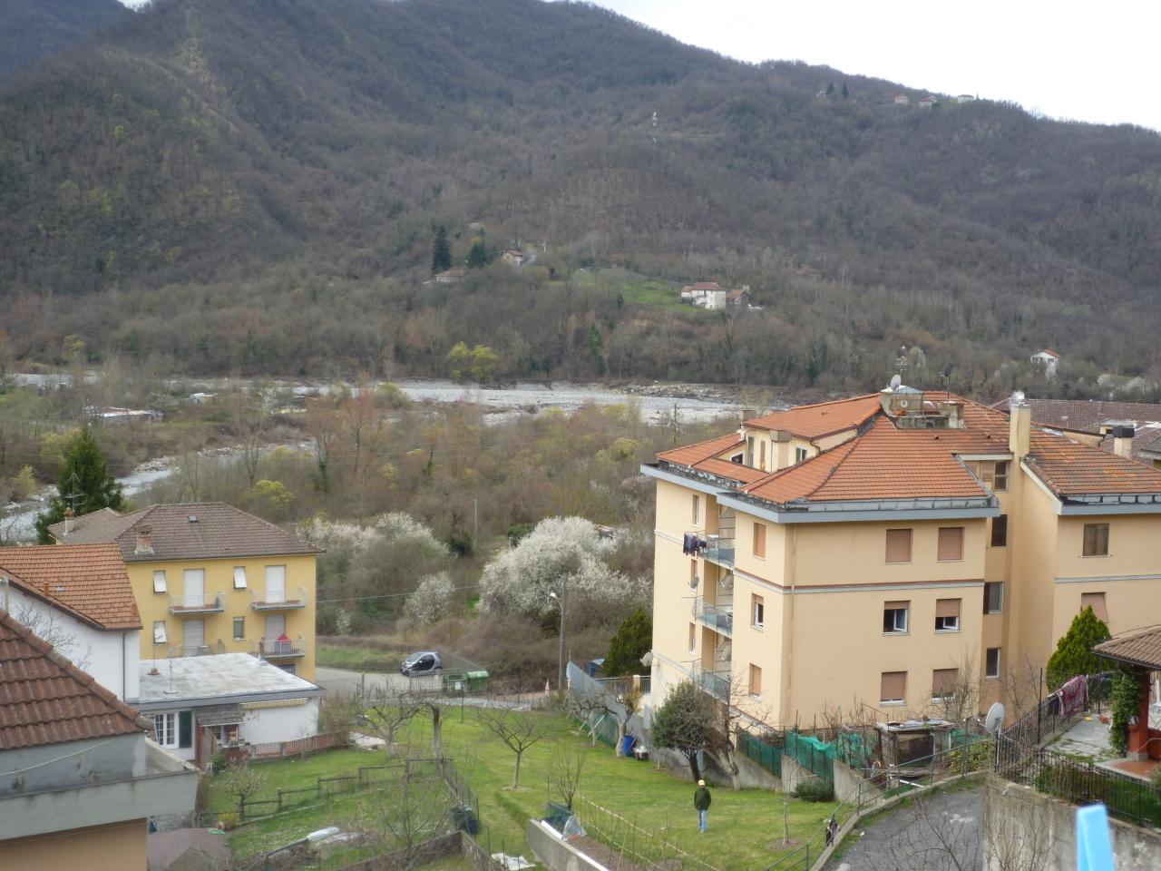 Bilocale Casella Via C Colombo  12 13
