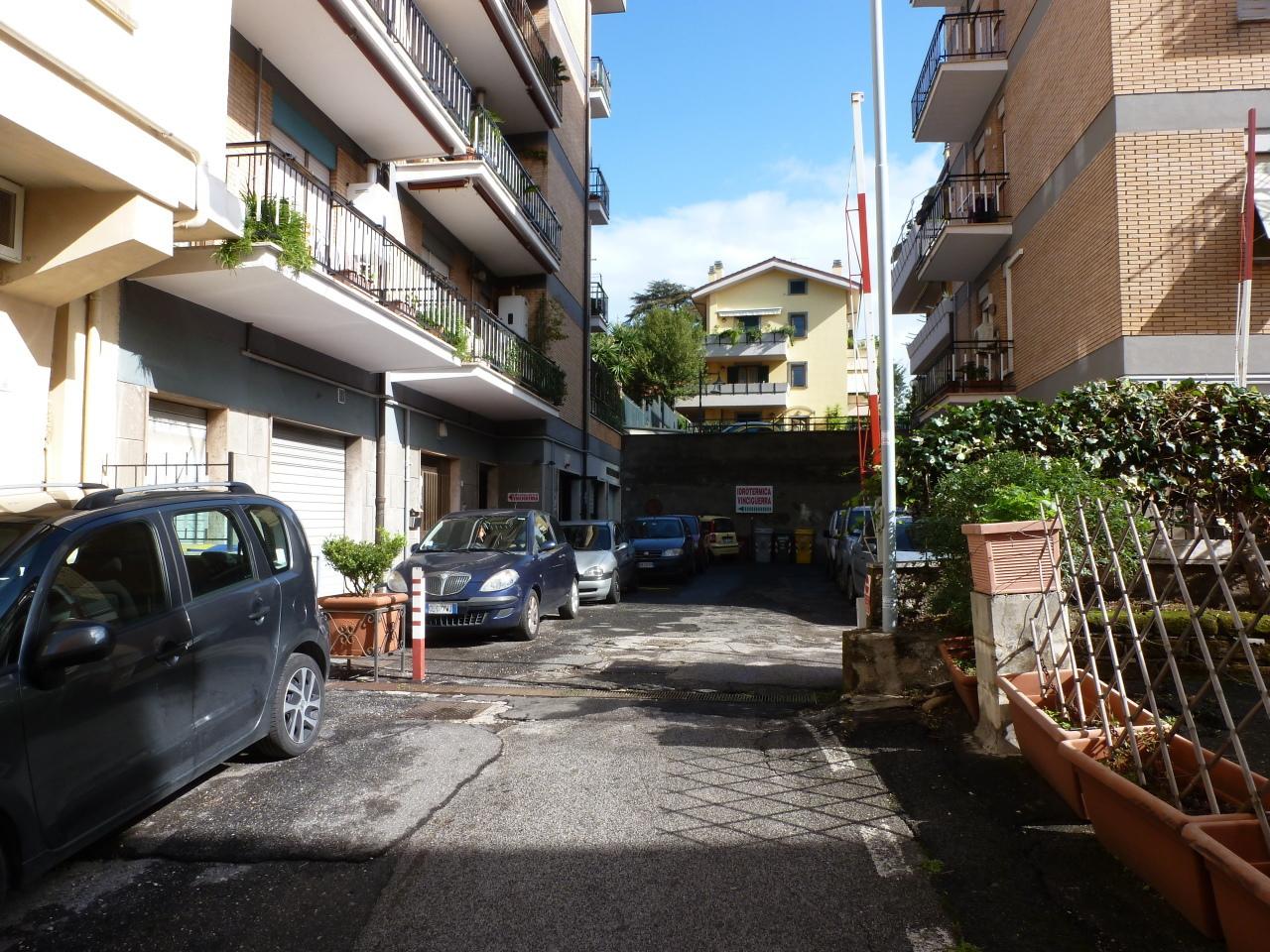 Negozio / Locale in Vendita a Grottaferrata