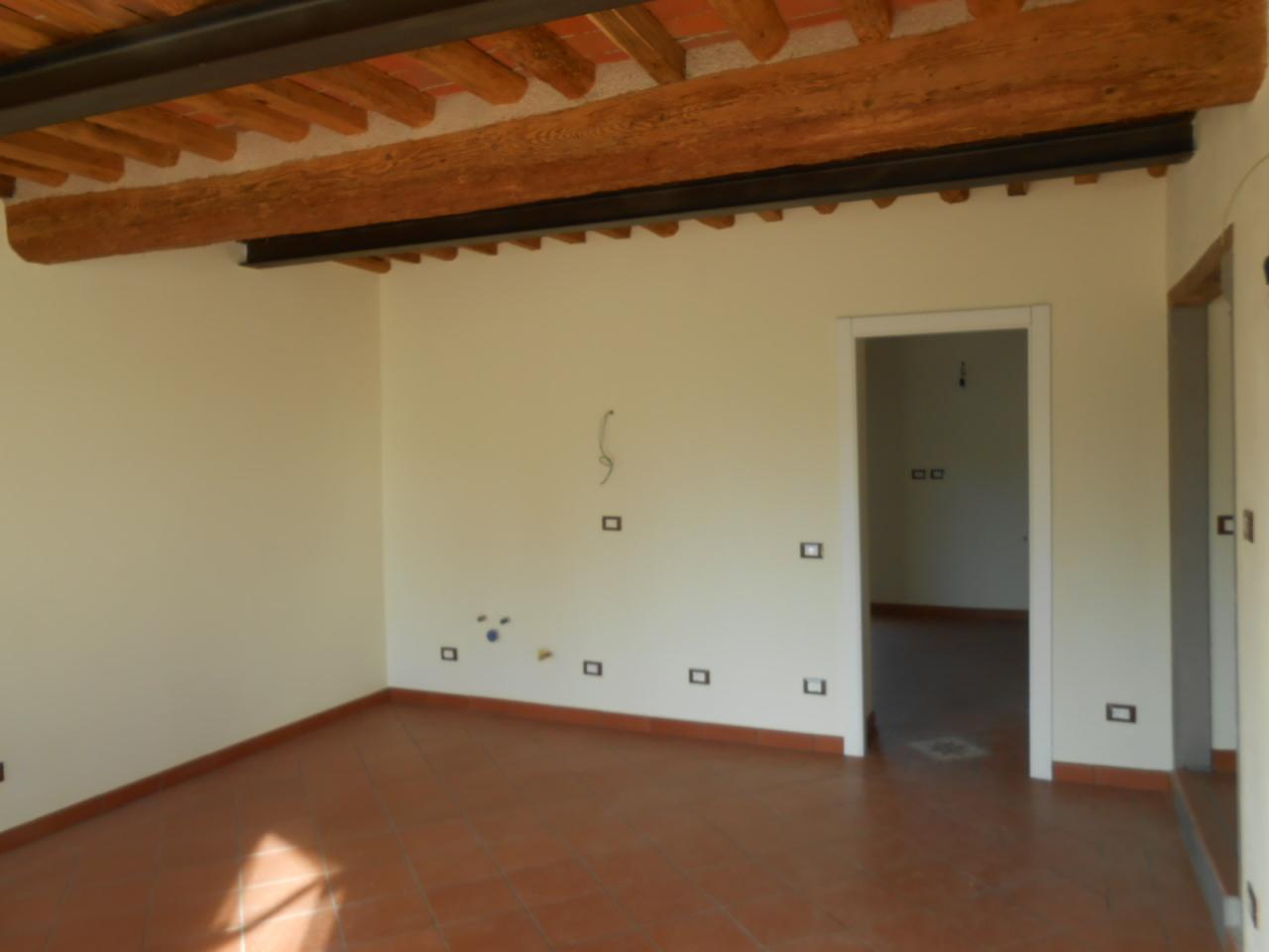 Appartamento in vendita a Lucca, 2 locali, prezzo € 95.000 | Cambio Casa.it