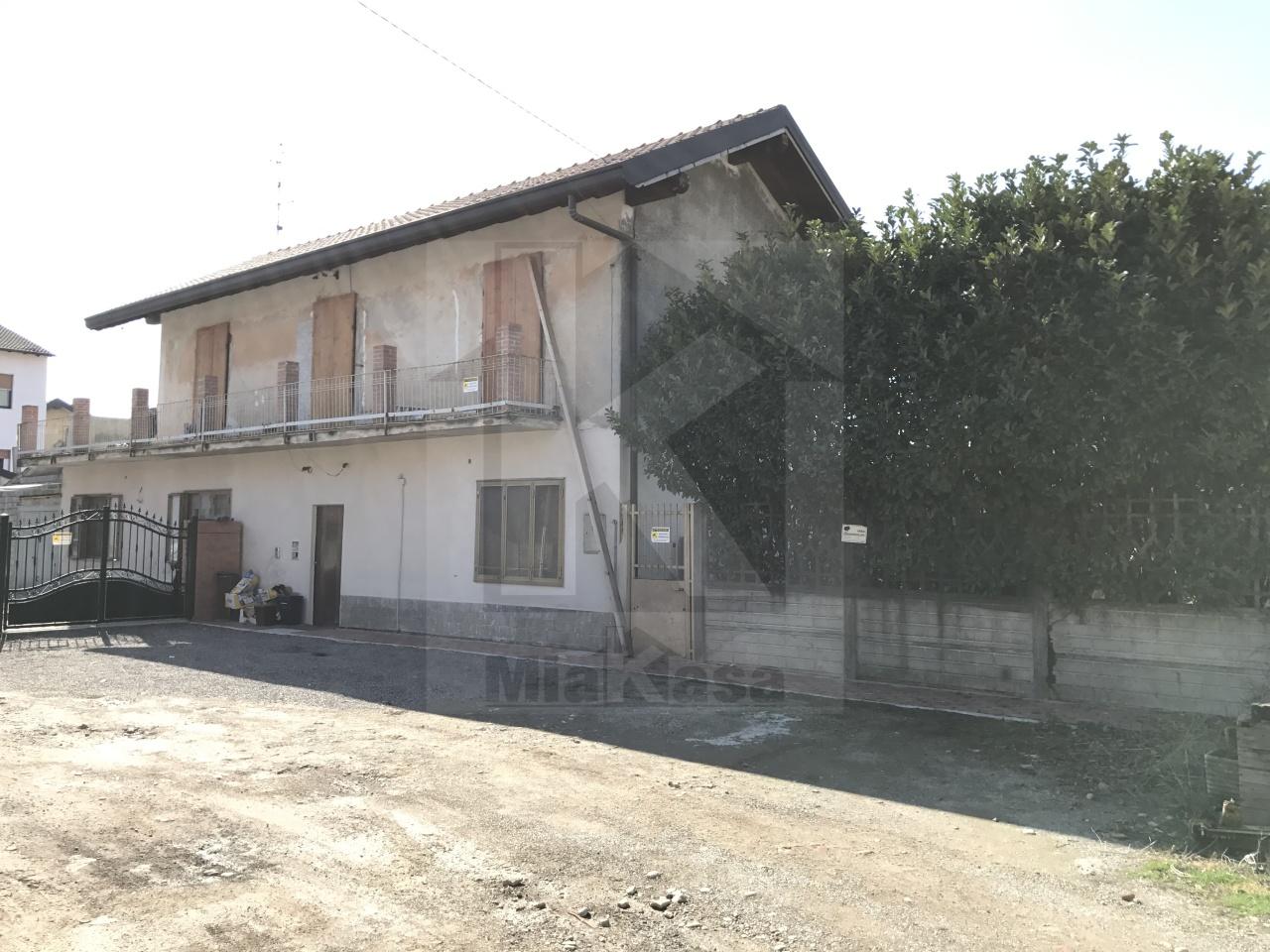 Soluzione Indipendente in vendita a Uboldo, 6 locali, prezzo € 210.000 | Cambio Casa.it