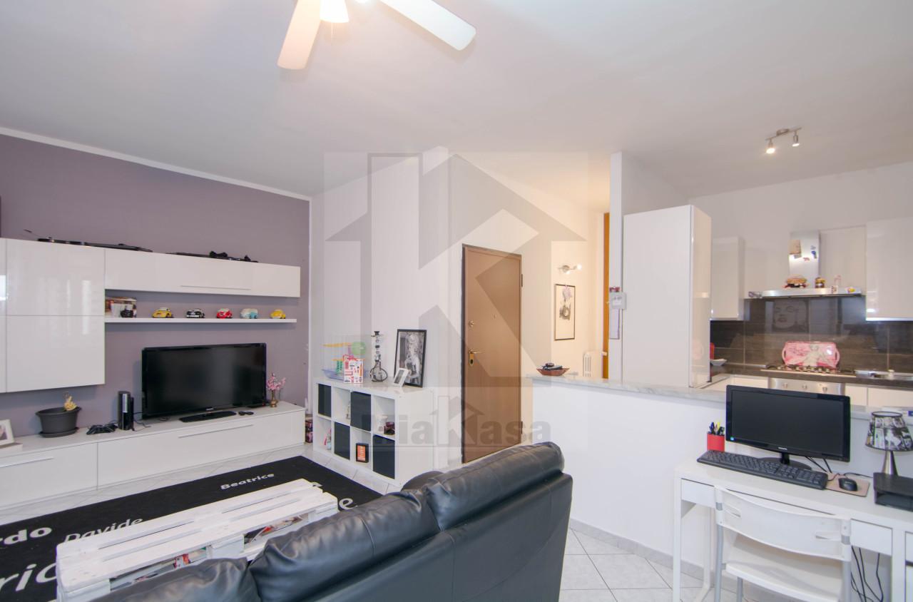 Appartamento in vendita a Uboldo, 3 locali, prezzo € 154.000 | Cambio Casa.it
