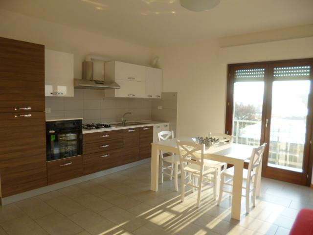 Appartamento in affitto a Jesi, 9999 locali, prezzo € 490 | Cambio Casa.it