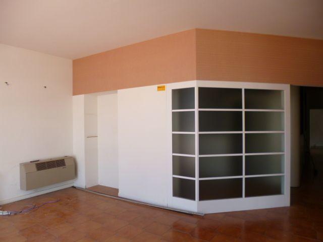 Negozio / Locale in affitto a Jesi, 9999 locali, prezzo € 2.000 | Cambio Casa.it