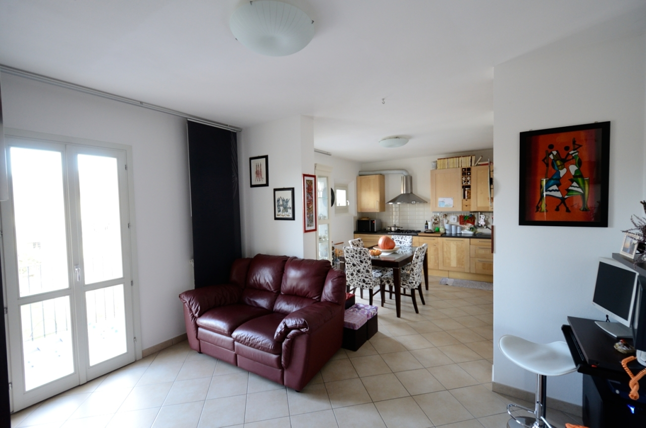 Appartamento in vendita a Cascina, 4 locali, prezzo € 150.000 | Cambio Casa.it