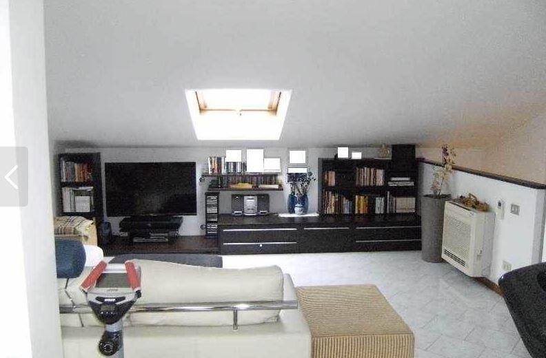vendita appartamento massa   265000 euro  5 locali  115 mq