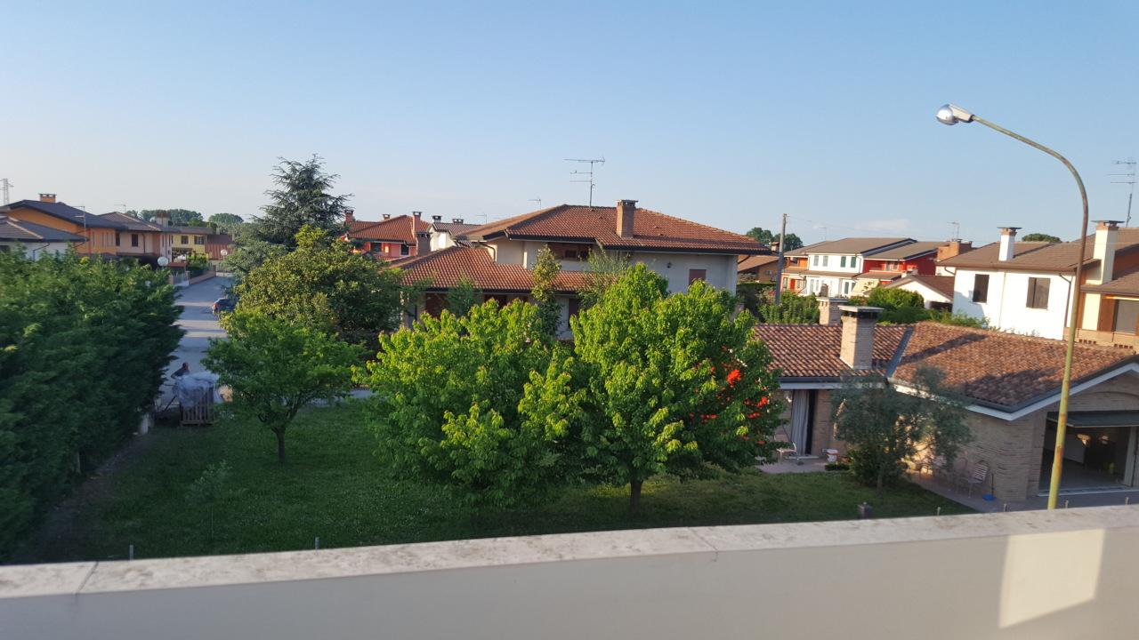 Appartamento in vendita a Gavello, 4 locali, prezzo € 75.000 | CambioCasa.it