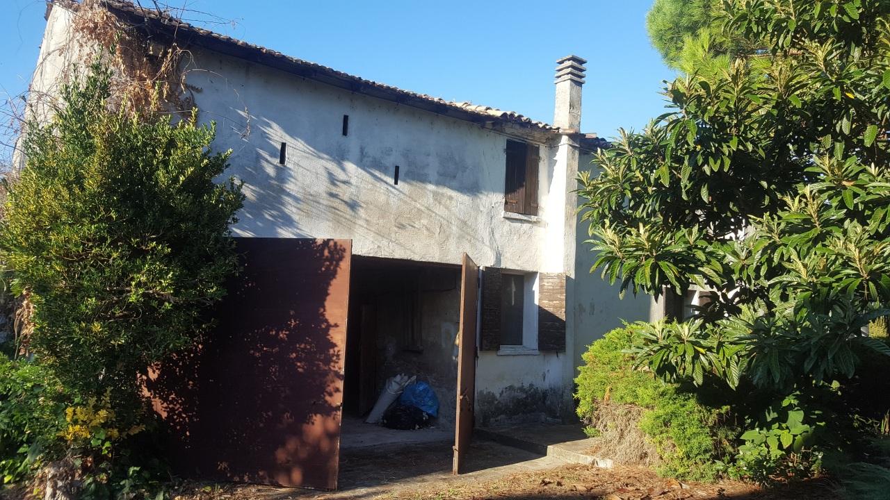 Rustico / Casale in Vendita a Crespino