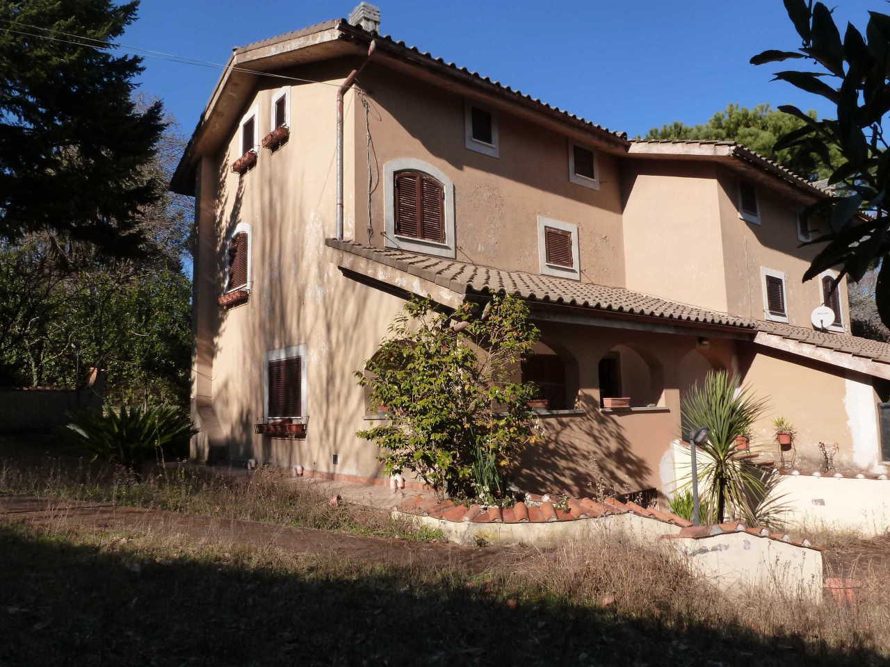 Soluzione Indipendente in vendita a Nemi, 11 locali, prezzo € 390.000 | Cambio Casa.it