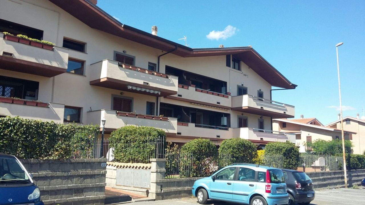 Appartamento in vendita a Monte Compatri, 4 locali, prezzo € 170.000 | CambioCasa.it