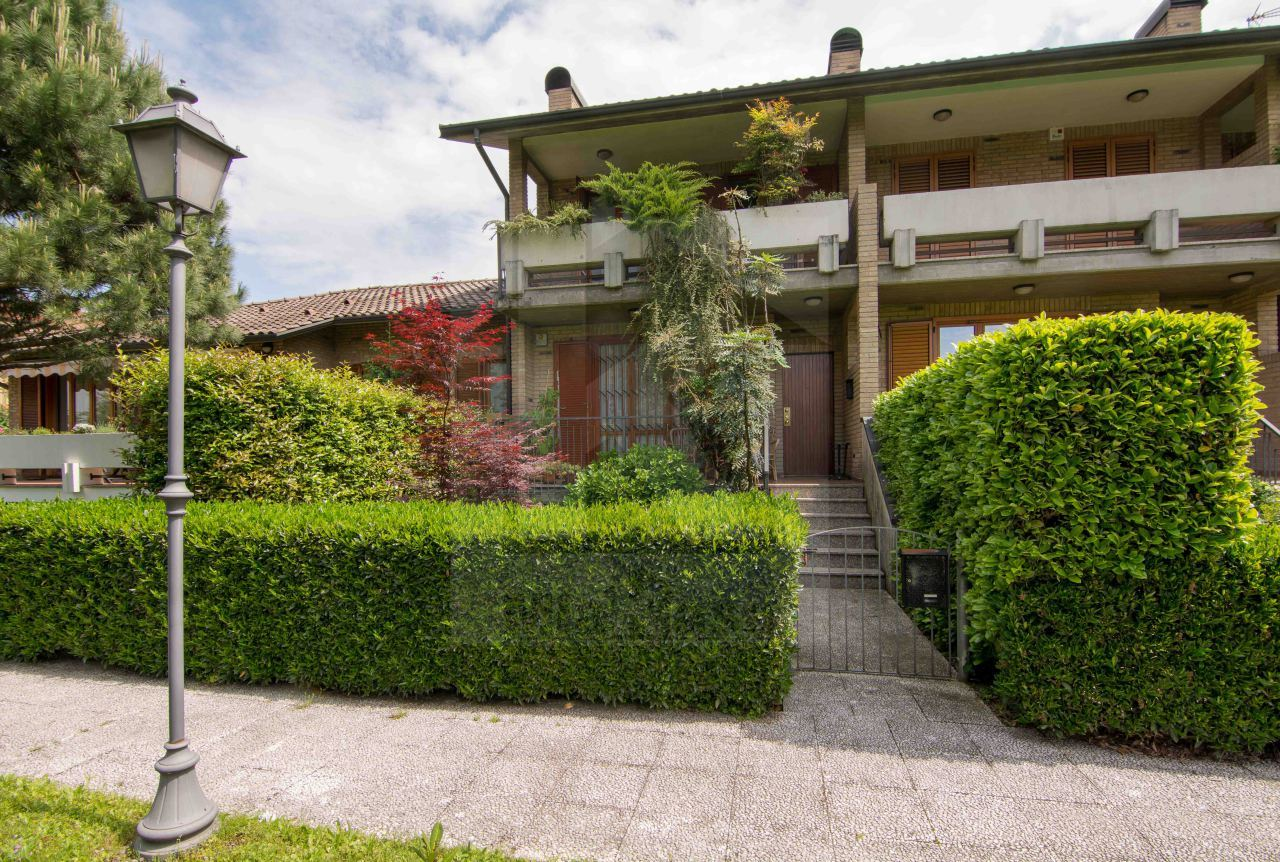Villa a Schiera in Vendita a Uboldo