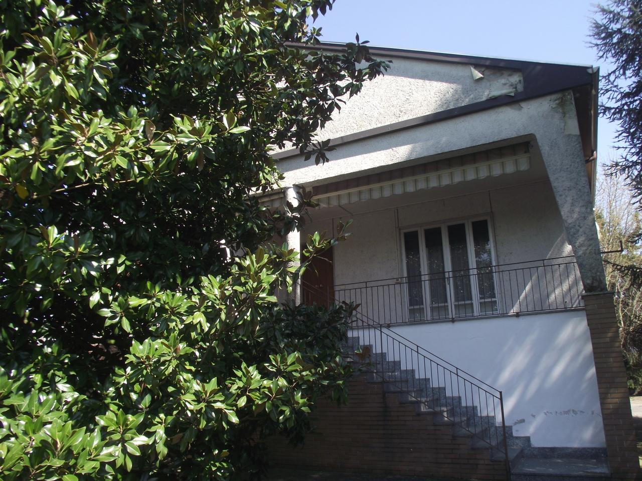 Villa in vendita a Verrua Po, 9 locali, prezzo € 260.000 | CambioCasa.it
