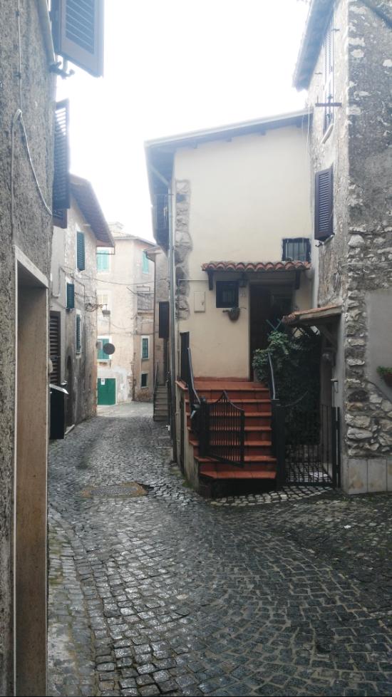 Bilocale Segni Via Santa Lucia 9