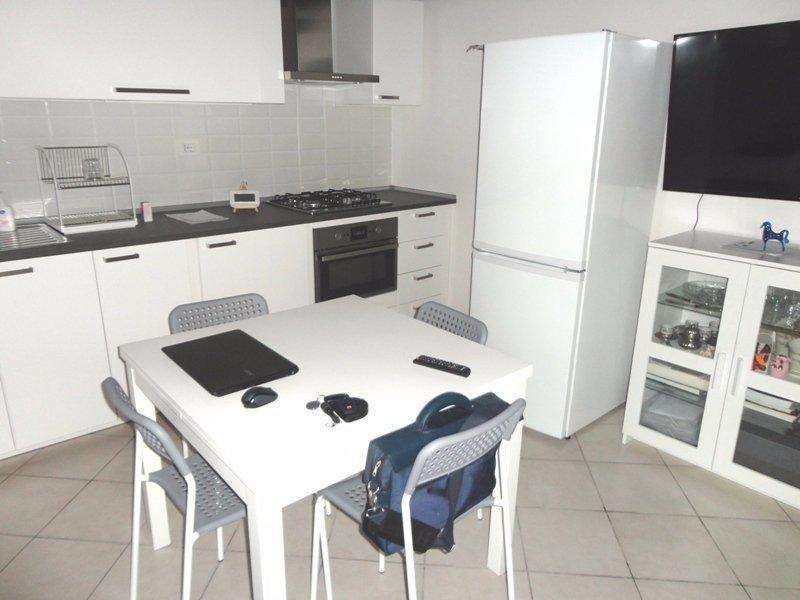 vendita appartamento carrara   78000 euro  2 locali  50 mq