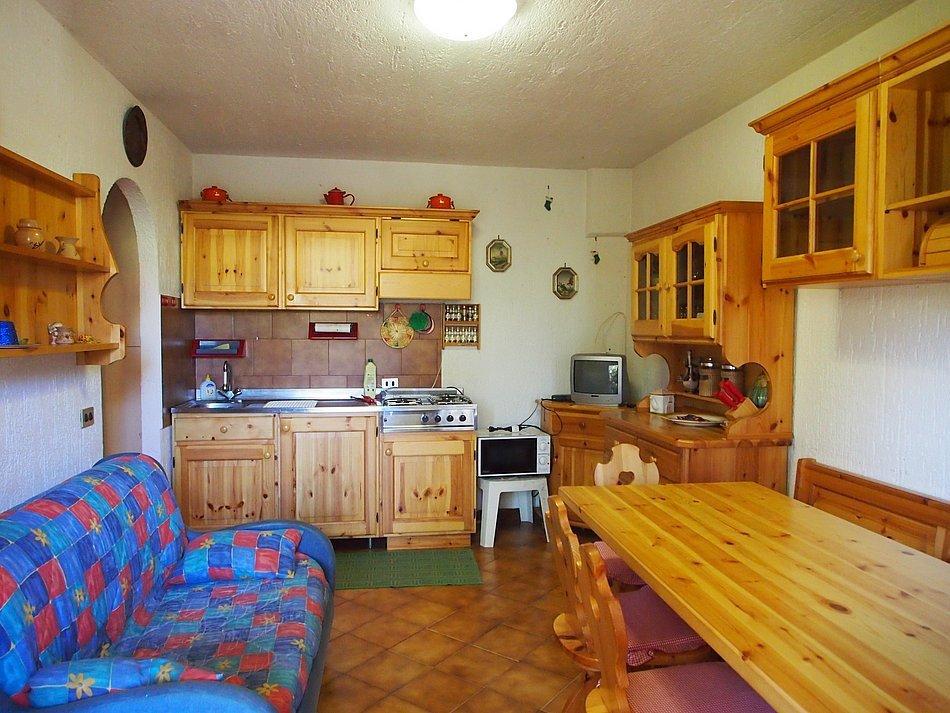 Bilocale Roana Via Monte Lemerle  244 6