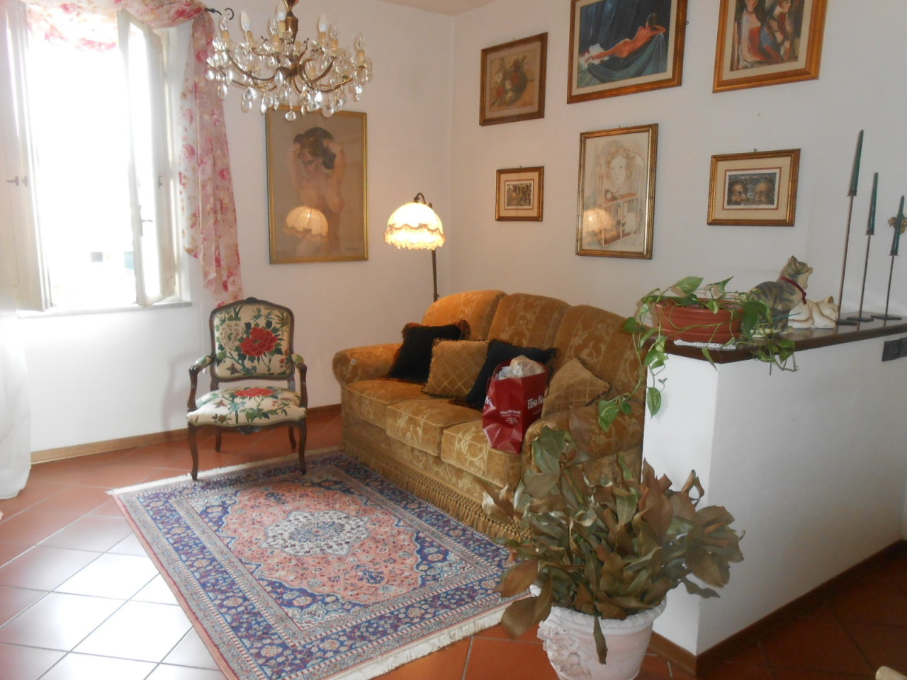 Appartamento in vendita a Lucca, 4 locali, prezzo € 170.000 | Cambio Casa.it
