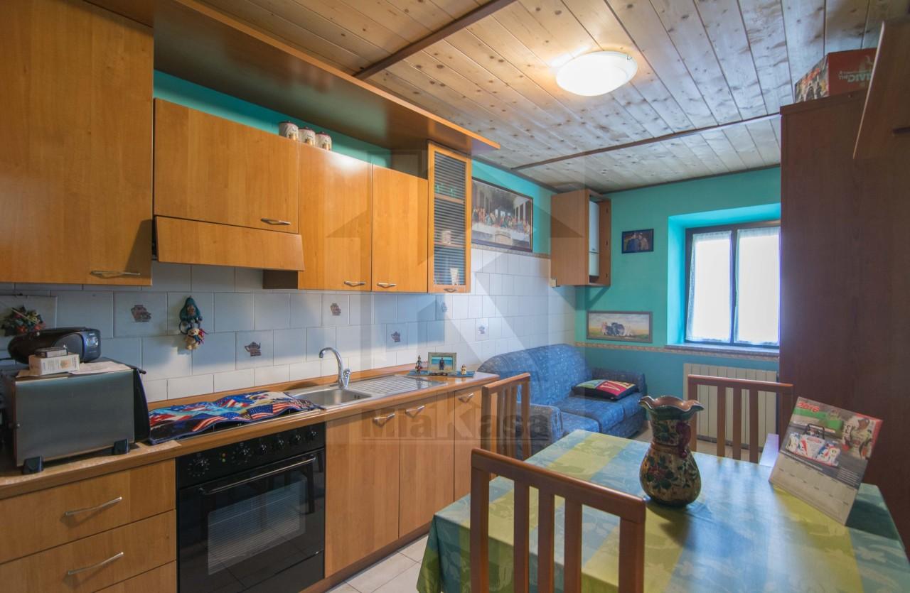Appartamento in vendita a Uboldo, 2 locali, prezzo € 59.000 | Cambio Casa.it