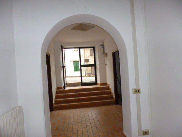 Negozio / Locale in affitto a Jesi, 6 locali, prezzo € 650 | Cambio Casa.it