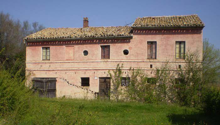 Rustico / Casale in vendita a Jesi, 10 locali, prezzo € 120.000 | Cambio Casa.it