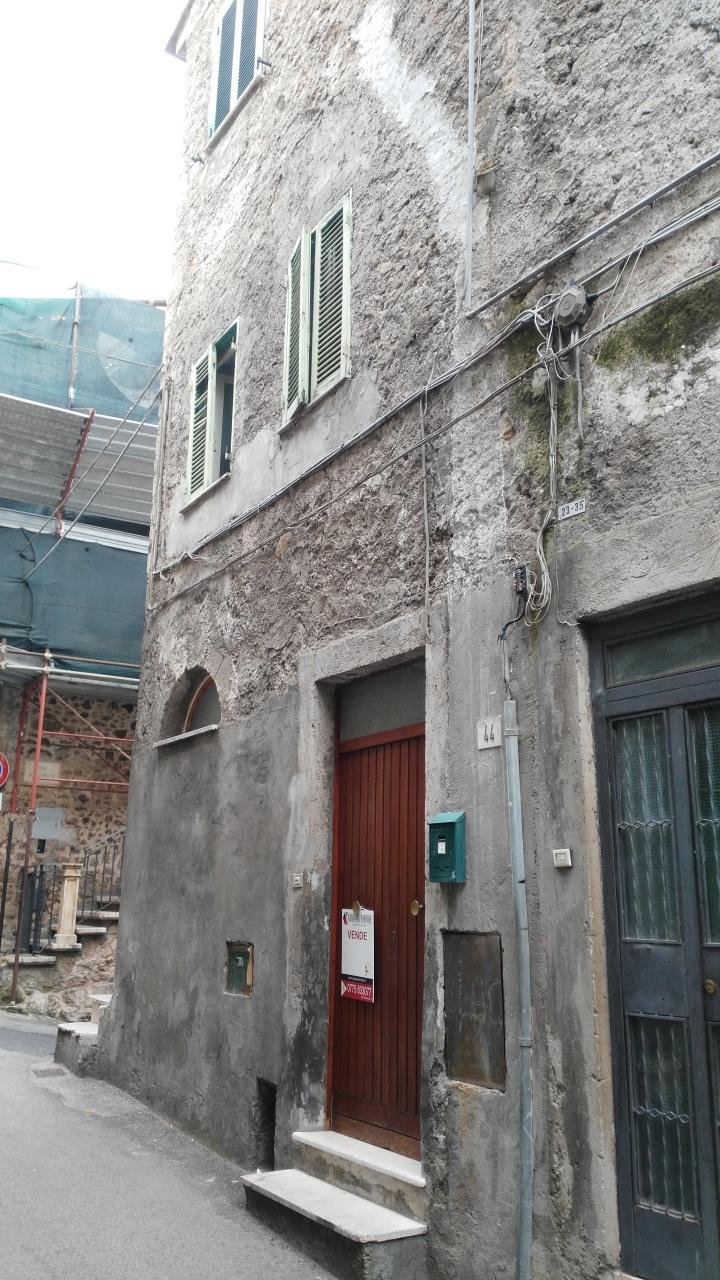 Bilocale Anagni Via Della Valle 8