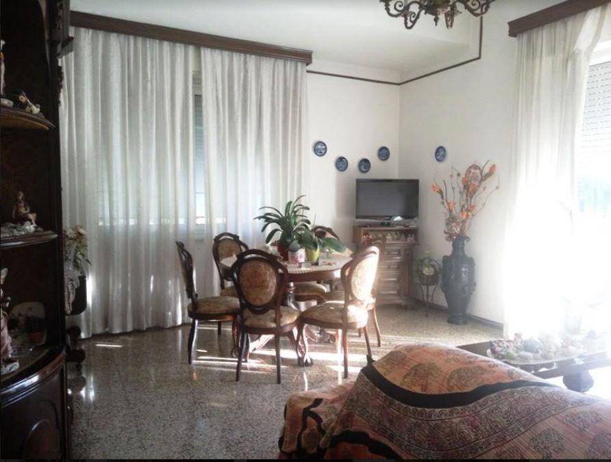 vendita appartamento carrara   149000 euro  5 locali  105 mq