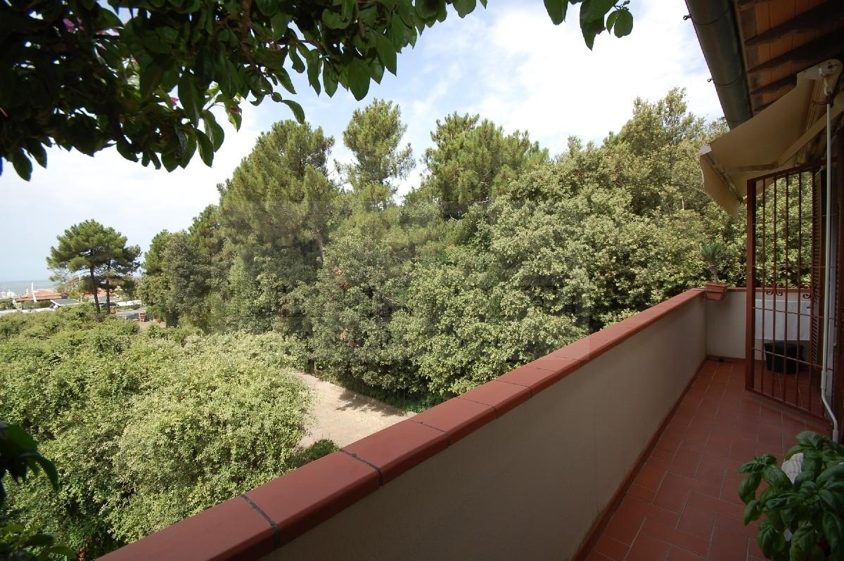 Appartamento in vendita a Pietrasanta, 5 locali, prezzo € 750.000 | Cambio Casa.it