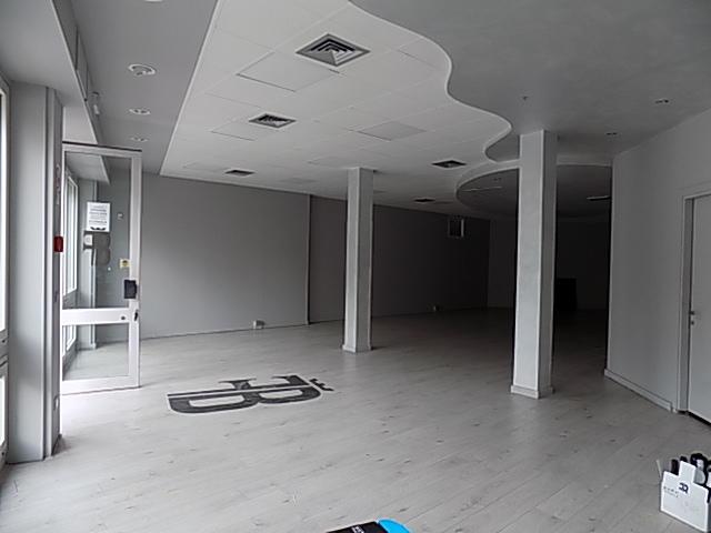 Fondo commerciale in affitto a Armistizio, Padova (PD)