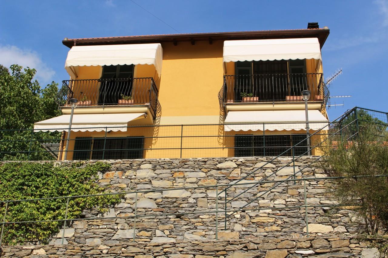 Villa in Vendita a Avegno