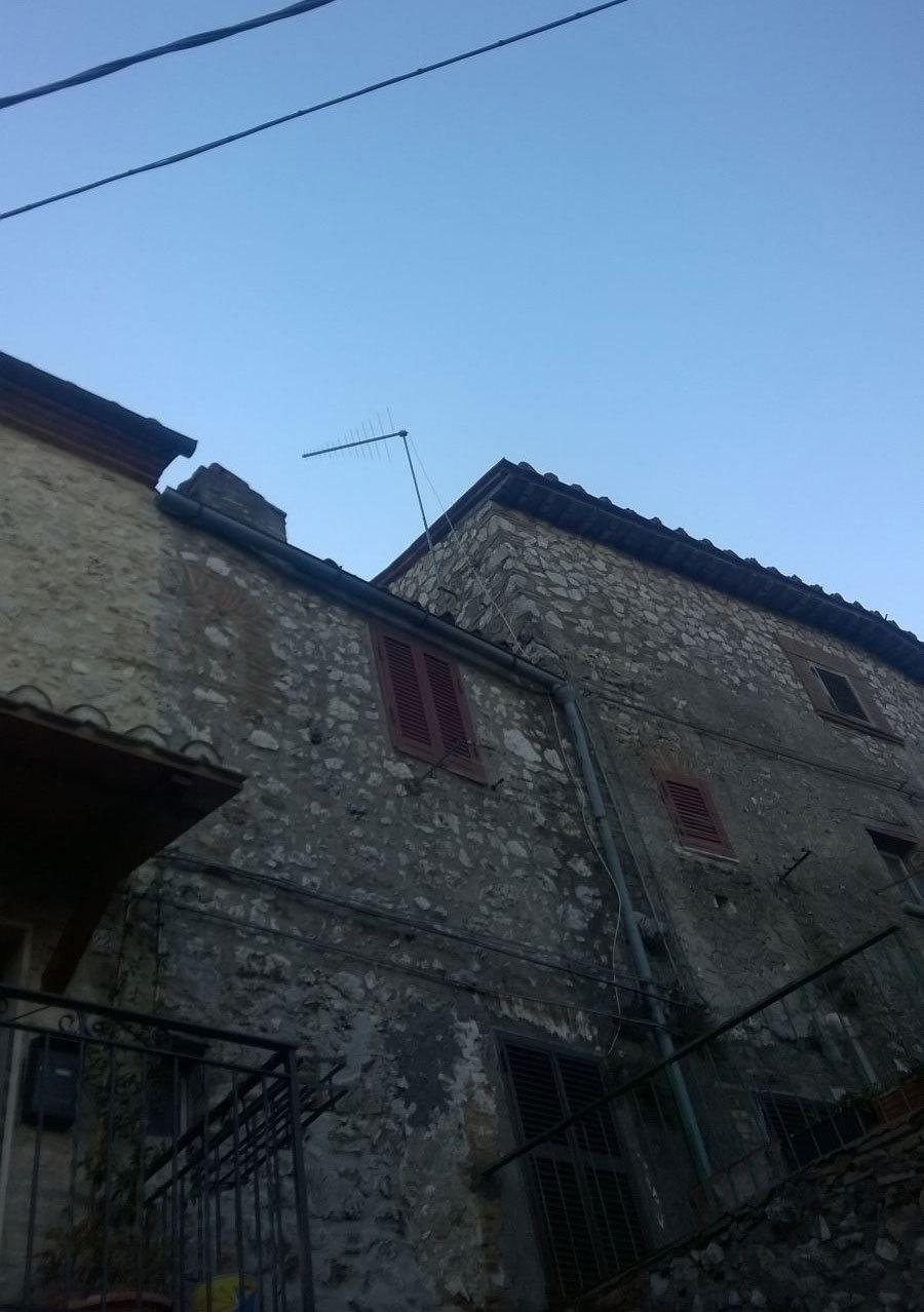 Appartamento in vendita a Lugnano in Teverina, 3 locali, prezzo € 27.000 | Cambio Casa.it