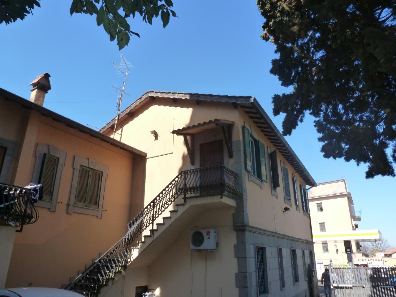 Appartamento in vendita a Grottaferrata, 6 locali, prezzo € 299.000 | Cambio Casa.it