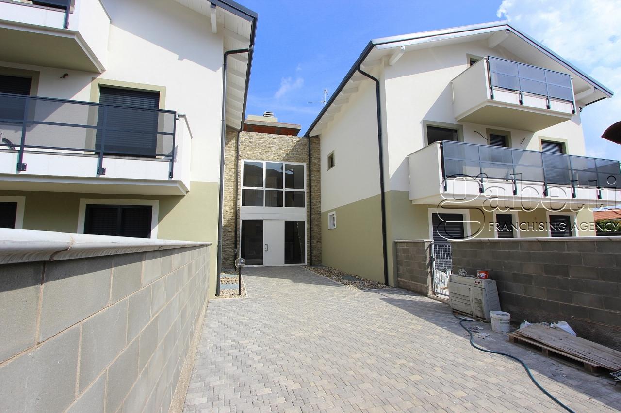 vendita appartamento nerviano   230000 euro  3 locali  103 mq