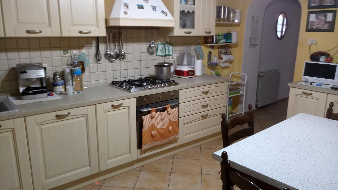 mansarda sottotetto soffitta solaio vendita lucca di metri quadrati 120 prezzo 155000 rif 4787