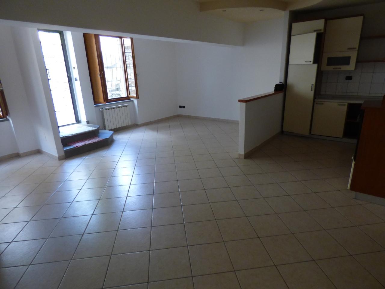 Appartamento in vendita a Fiesole, 2 locali, prezzo € 160.000 | Cambio Casa.it