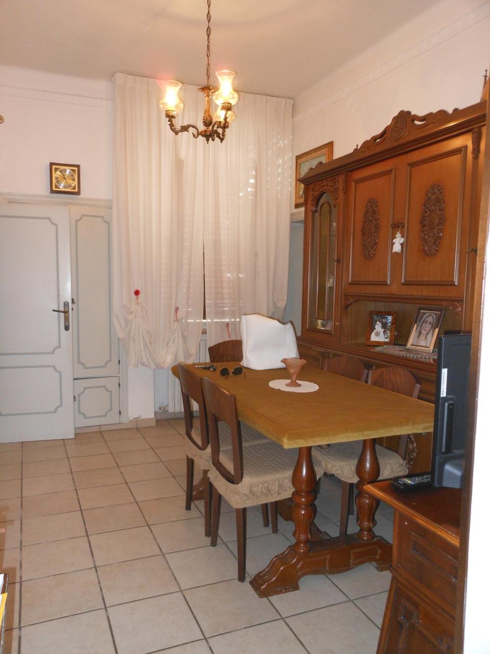 Soluzione Indipendente in affitto a Jesi, 9999 locali, prezzo € 500 | Cambio Casa.it