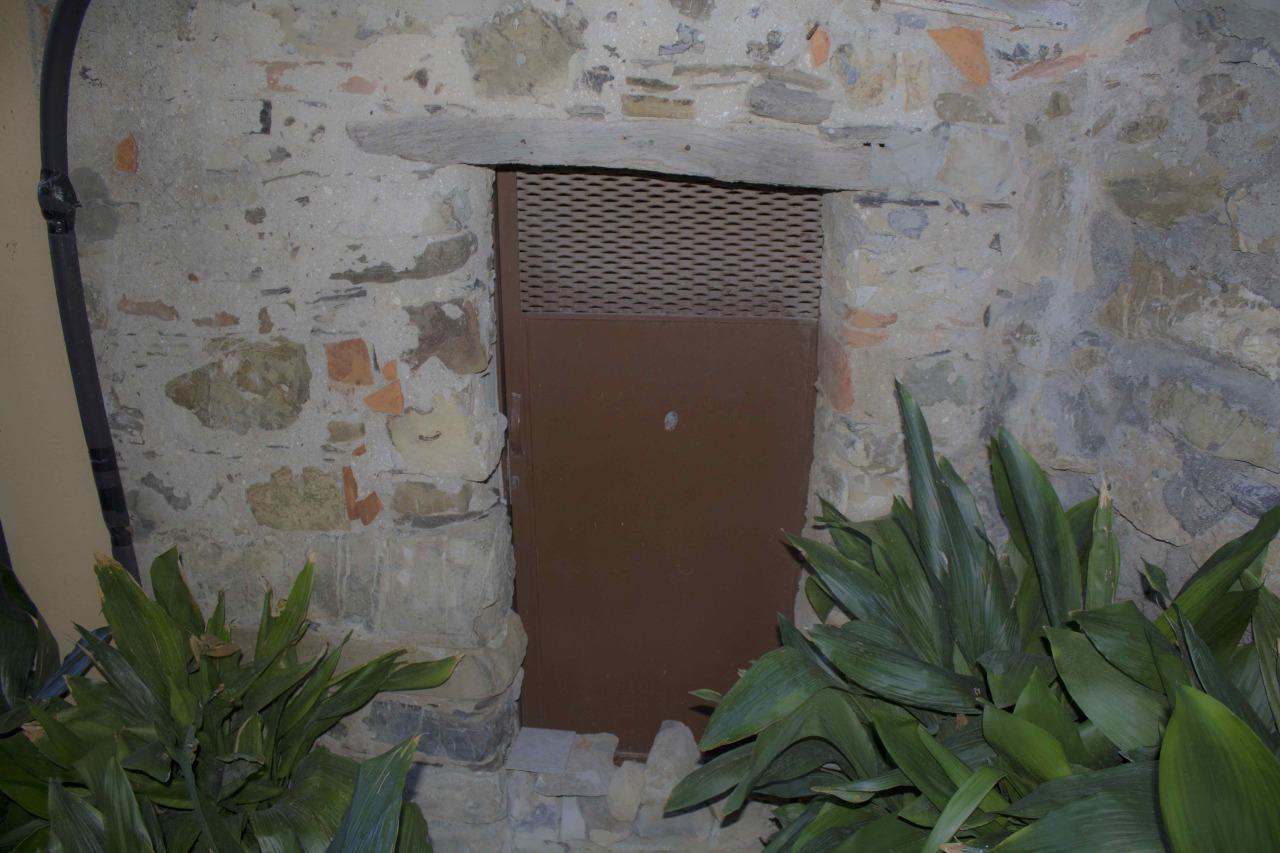 Bilocale Santo Stefano di Magra  9