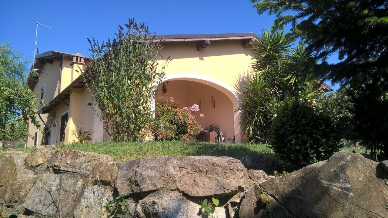 Villa in vendita a Sutri, 4 locali, prezzo € 320.000 | CambioCasa.it
