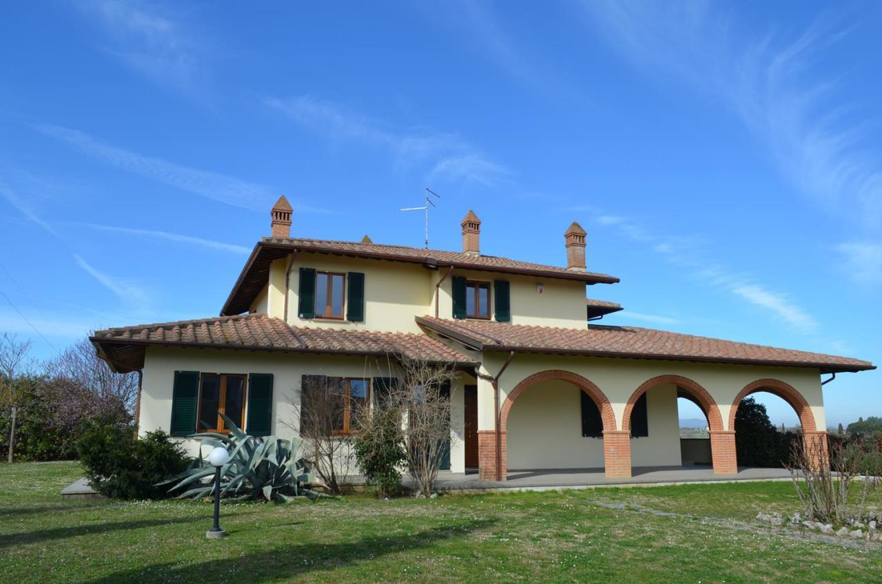 Villa in Vendita a Foiano della Chiana