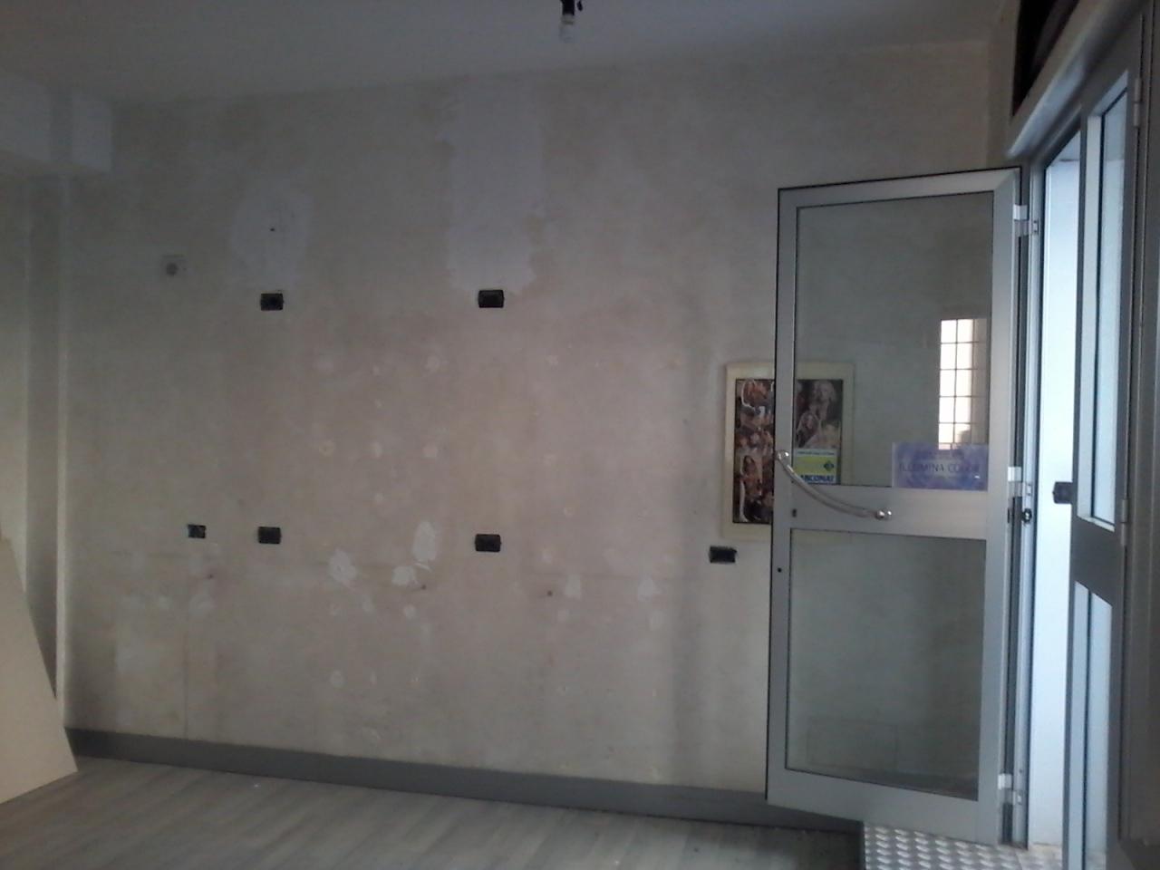 Attività / Licenza in vendita a Roma, 2 locali, prezzo € 290.000   CambioCasa.it