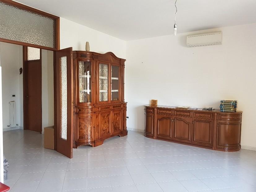 Appartamento in vendita a Cascina, 6 locali, prezzo € 190.000   CambioCasa.it