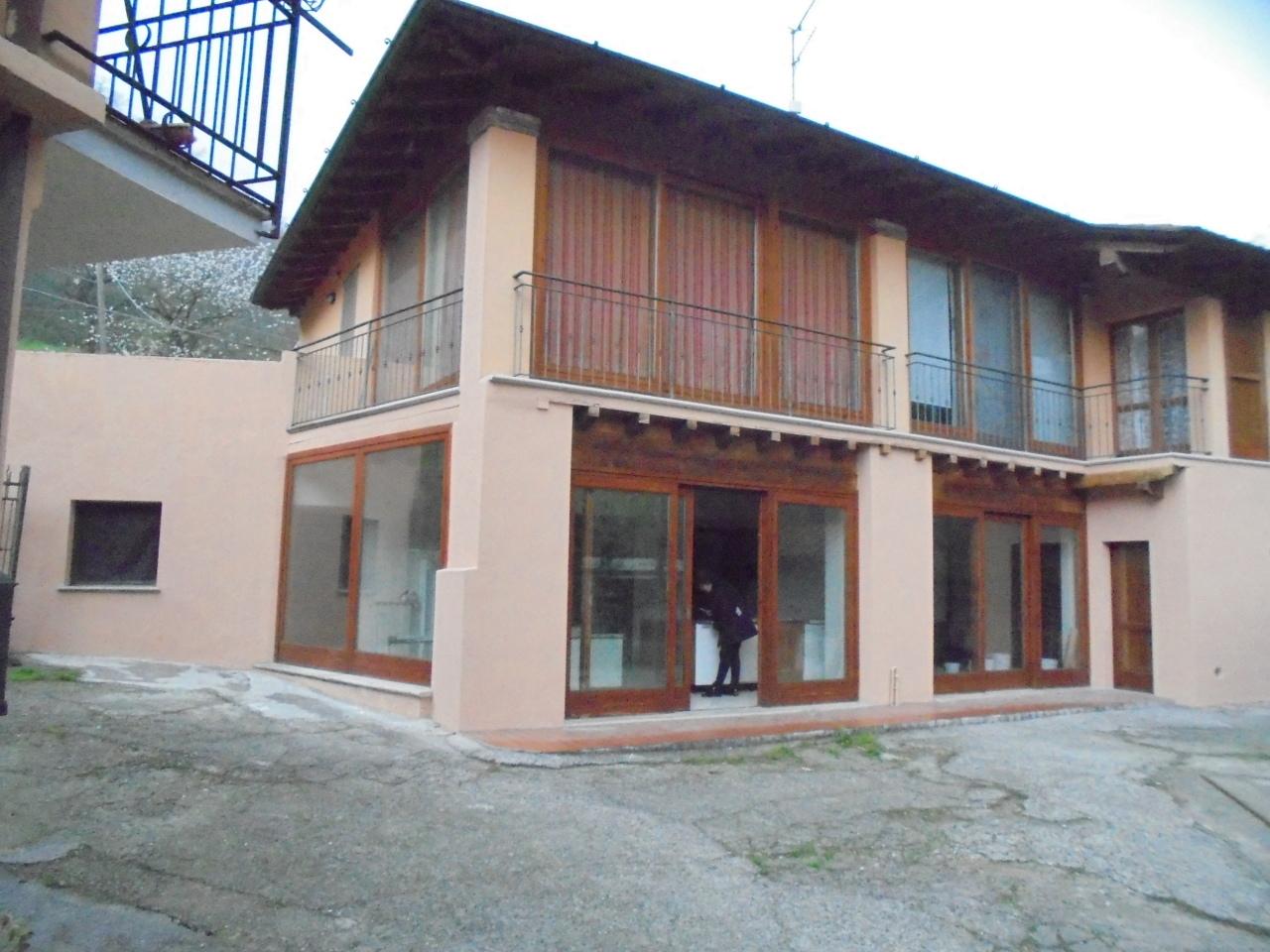Bilocale vendita gussago for Planimetrie del cottage del cortile