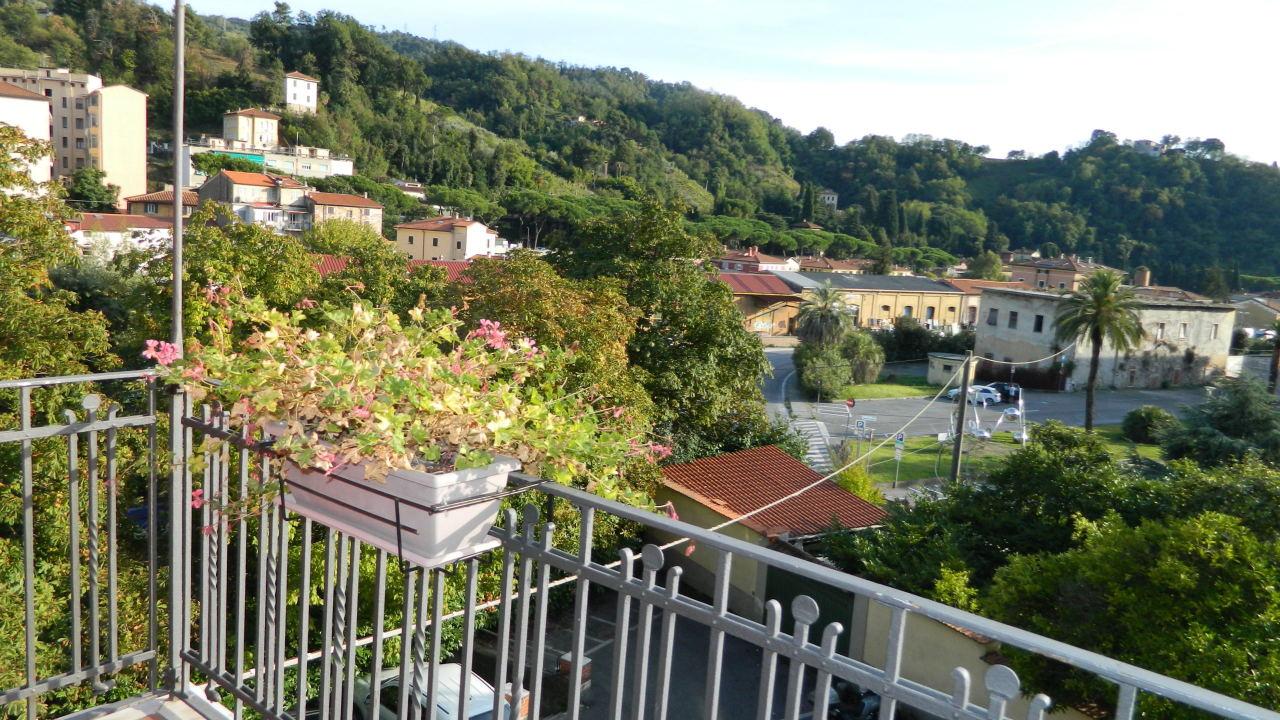 vendita appartamento carrara   265000 euro  4 locali  120 mq