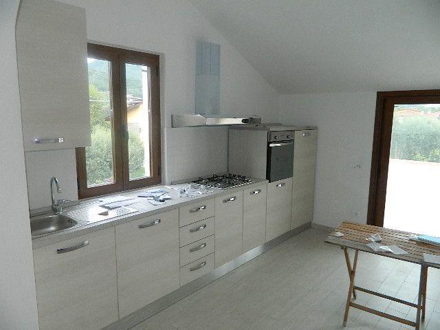 Appartamento in affitto a Ortonovo, 4 locali, prezzo € 700 | CambioCasa.it