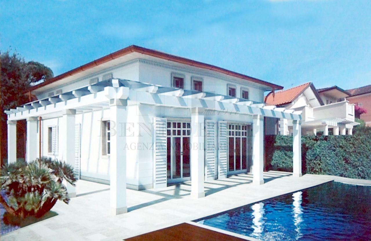 Villa in vendita a Pietrasanta, 10 locali, prezzo € 1.850.000 | Cambio Casa.it